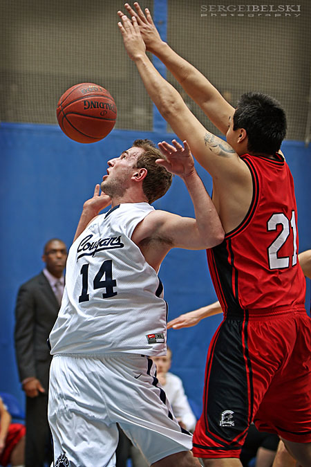 calgary sports photographer mount royal university basketball photo