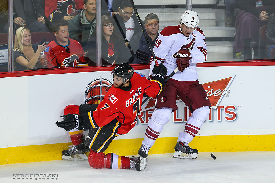 nhl hockey calgary flames vs phoenix coyotes sergei belski photo