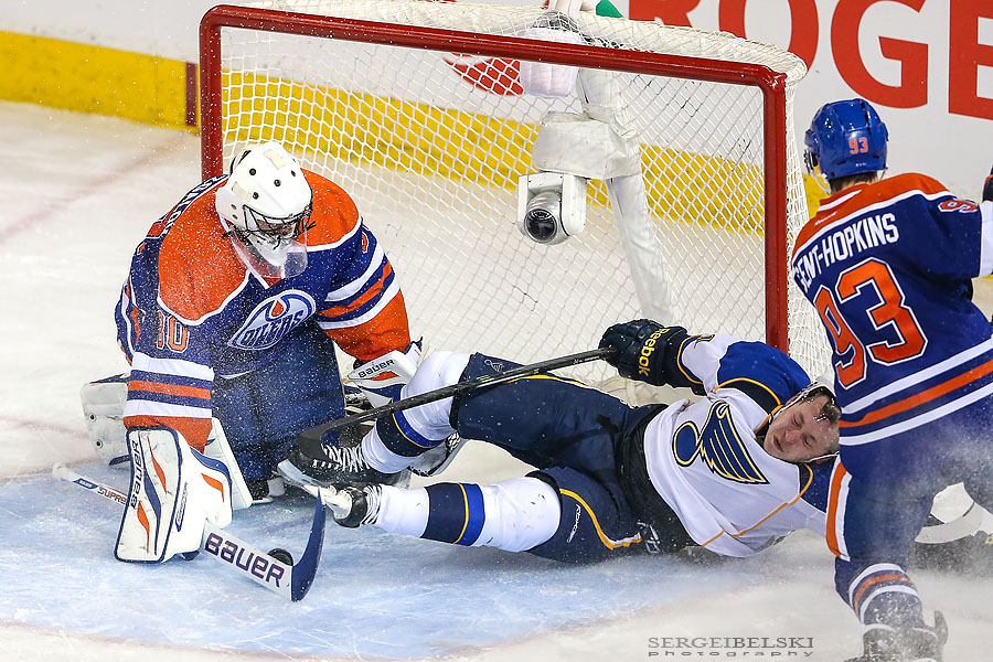 nhl hockey edmonton oilers vs st.louise blues sergei belski photo